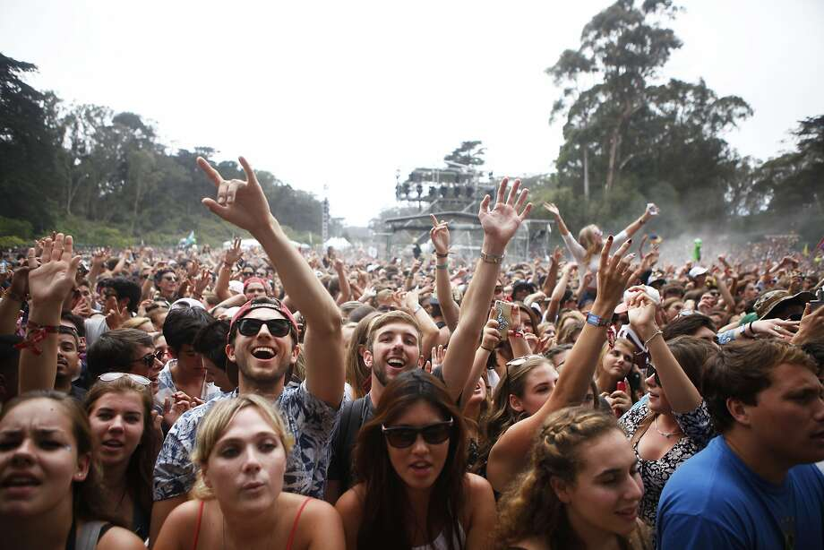 Fans cheer as Odesza performs during Outside Lands on Aug. 9, 2015. Photo: Cameron Robert, The Chronicle