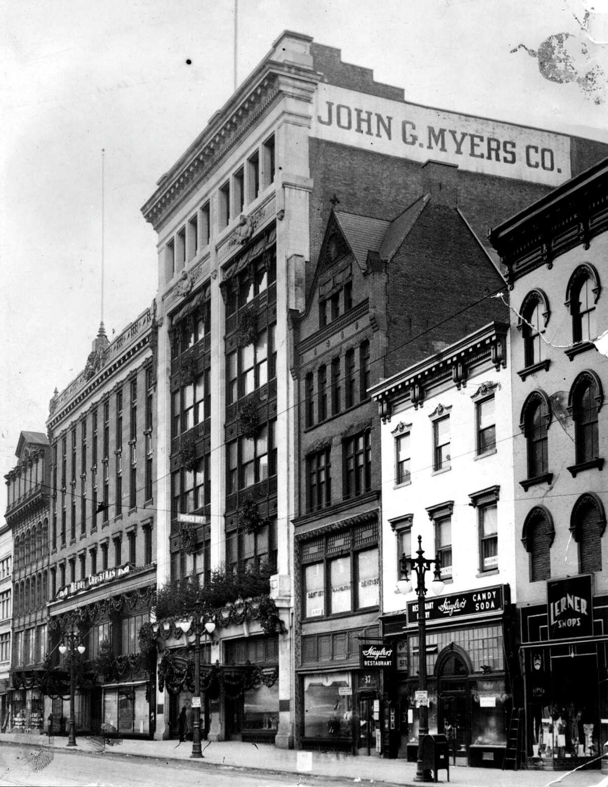 John G. Myers Co. department store Dec. 26, 1933, on North Pear St. in Albany, N.Y. (Times Union archive)