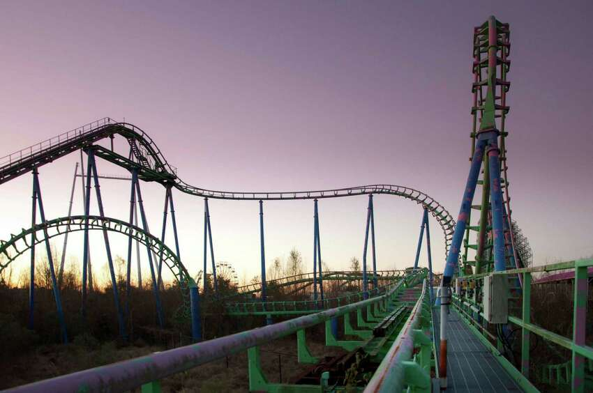 Photographer Seph Lawless shared these striking photos of the Six Flags in New Orleans, which has been abandoned since Hurricane Katrina struck the city in 2005.
