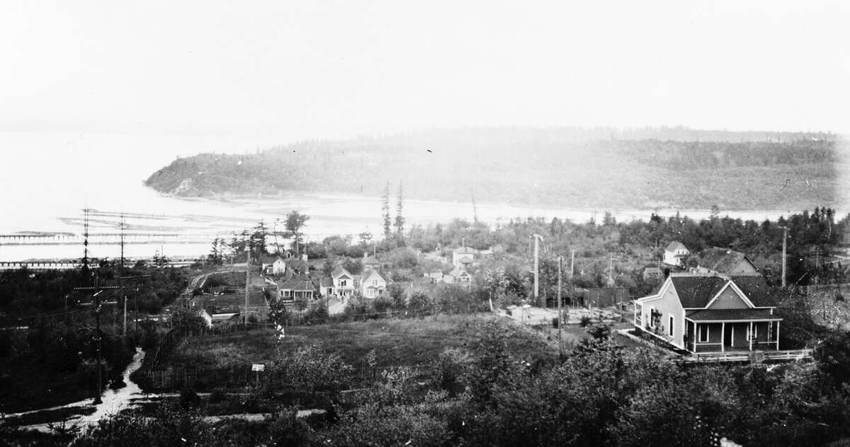 Queen Anne Hill Parkway with a view across Smith Cove to Magnolia Bluff, pictured May 1903.