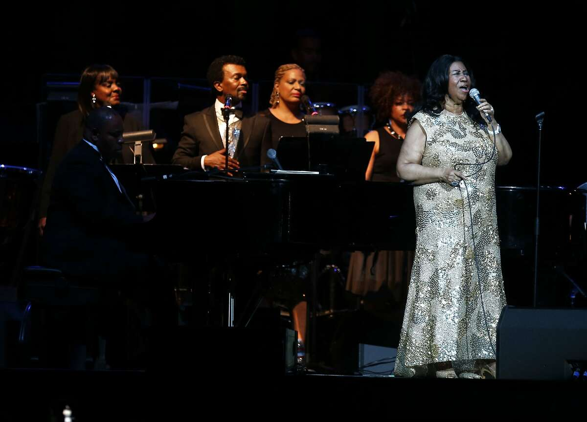 Aretha Franklin performs at Oracle Arena in Oakland, Calif., on Monday, Aug. 10, 2015.