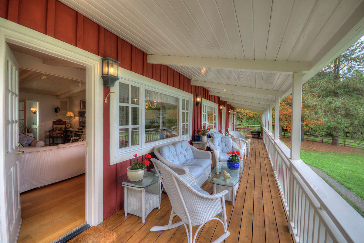 This Orcas Island home off the coast of Washington is currently on the market for $1.995 million. Interested in packing up and moving to the Pacific Northwest? Maybe just curious about this home?Head here for the full listing.