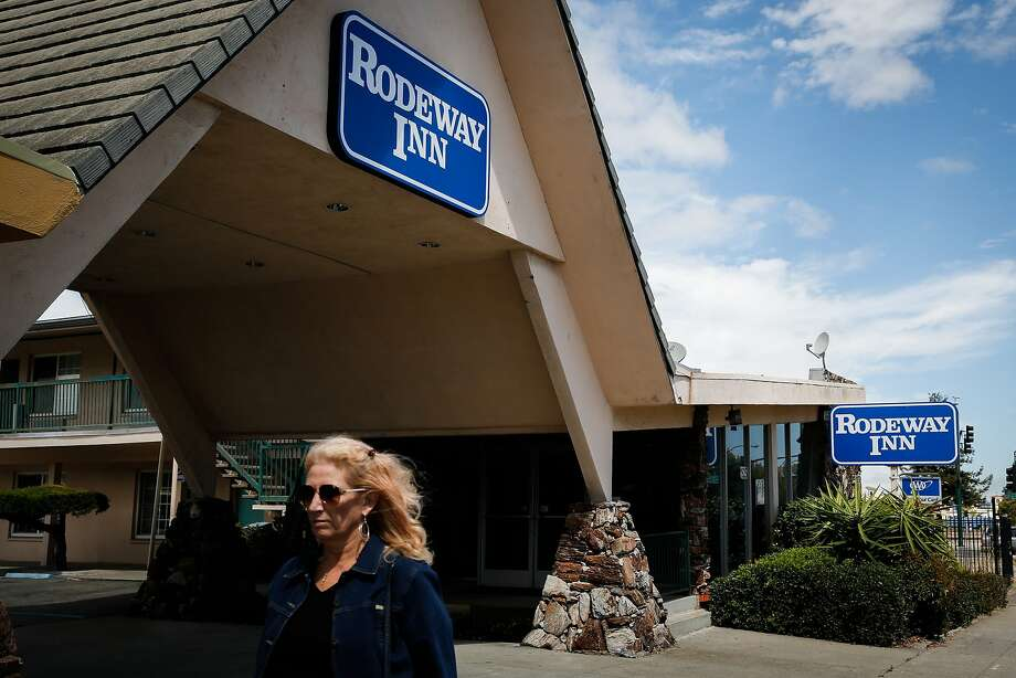 A Rodeway Inn on Webster Street in Alameda, Calif., is seen on Tuesday, Aug. 11, 2015. A surveillance video at the inn captured footage of a prowler the night he entered the manager's room back in June. The prowler is still on the loose and is believed to have struck at least six times around Alameda's west end this summer, most recently sexually-assaulting a young girl. Photo: Loren Elliott, The Chronicle