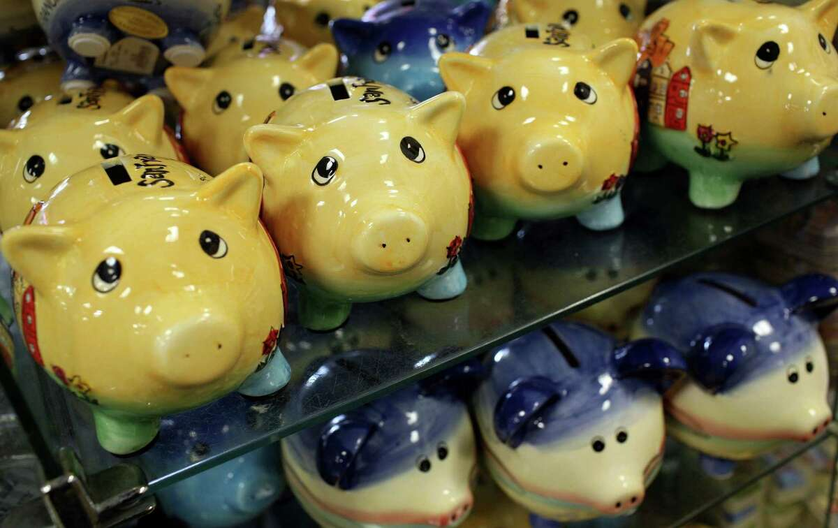 As 2016 begins, 62 percent of Americans have less than $1,000 in their savings accounts and 21 percent have no savings at all. Source: The Economic Collapse Blog