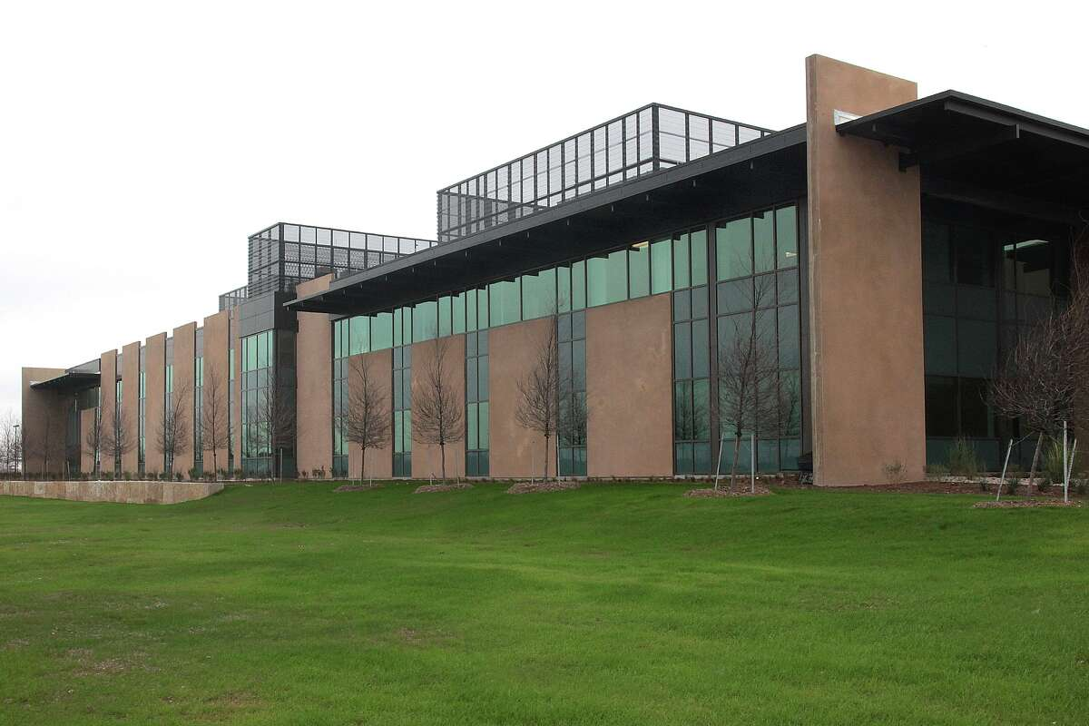 The Earl Slick Research Center is the 70,000-square-foot laboratory and scientific support complex for Texas Biomedical Research Institute.