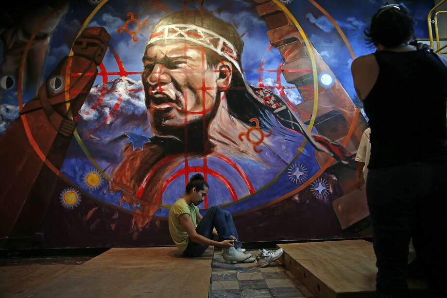 Brava Theater's Luis Felipe gets ready to lead a Son Jarocho workshop at La Pena Cultural Center in Berkeley, Calif., on Tuesday, Aug. 11, 2015. Photo: Scott Strazzante, The Chronicle