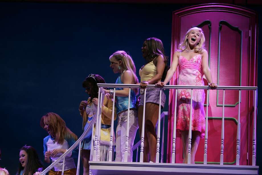 """Dress rehearsal for Broadway-bound musical """"Legally Blonde,""""   on Sunday, January 21, 2007 at the Golden Gate Theatre. Photo: Lea Suzuki, SFC"""
