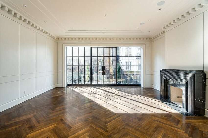 First he listed his One Madison penthouse in April (which he'd only bought the year earlier), and now he's flipping a West Village townhouse he bought a mere five months ago. Located at 278 W. 11th St., the townhouse was originally a bed and breakfast; Murdoch converted it into a four-story mansion.