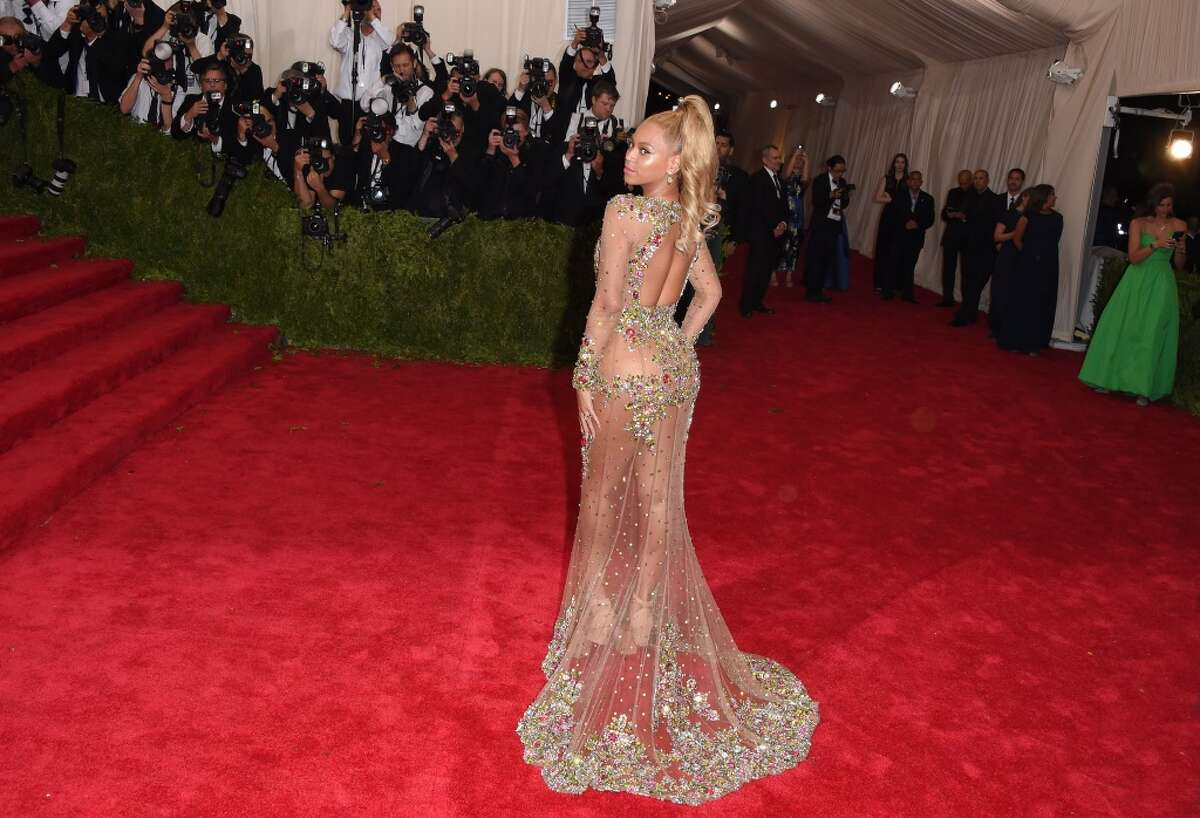 NEW YORK, NY - MAY 04: Recording artist Beyonce Knowles attends the 'China: Through The Looking Glass' Costume Institute Benefit Gala at the Metropolitan Museum of Art on May 4, 2015 in New York City. (Photo by Axelle/Bauer-Griffin/FilmMagic)