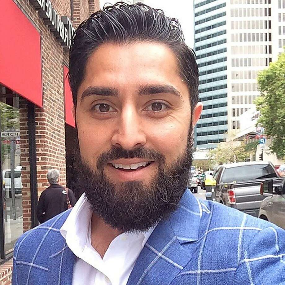 "Real estate agent Roh Habibi, one of three local agents staring in ""Million Dollar Listing San Francisco,"" tells us what's on his iPhone. Photo: Roh Habibi"