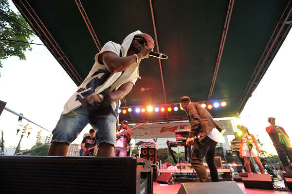 Shaggy performs on stage during the final Alive@Five concert of the season at Columbus Park in Stamford, Conn., on Thursday, Aug. 13, 2015. Hearst Connecticut Media Group is a sponsor of the event.