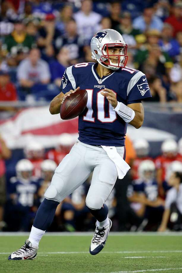 FOXBORO, MA - AUGUST 13:  Jimmy Garoppolo #10 of the New England Patriots looks to pass in the second quarter against the Green Bay Packers during a preseason game at Gillette Stadium on August 13, 2015 in Foxboro, Massachusetts.  (Photo by Maddie Meyer/Getty Images) ORG XMIT: 563723897 Photo: Maddie Meyer / 2015 Getty Images