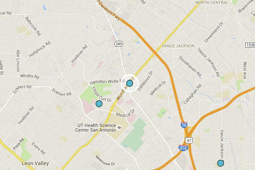 DAHLIA THAI CUISINE: 8498 FREDERICKSBURG RD San Antonio , TX 78229 Date: 08/10/2015 Demerits: 14