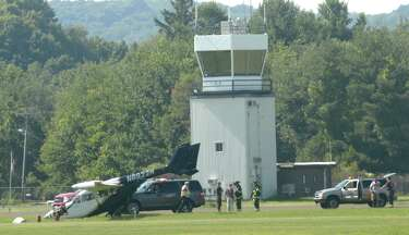 Pilot, 83, crash lands plane at Danbury Airport - NewsTimes