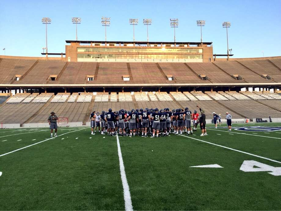 The Rice football team practiced at a quicker tempo Friday to prepare for its Saturday scrimmage. (Stephanie Kuzydym, Houston Chronicle)