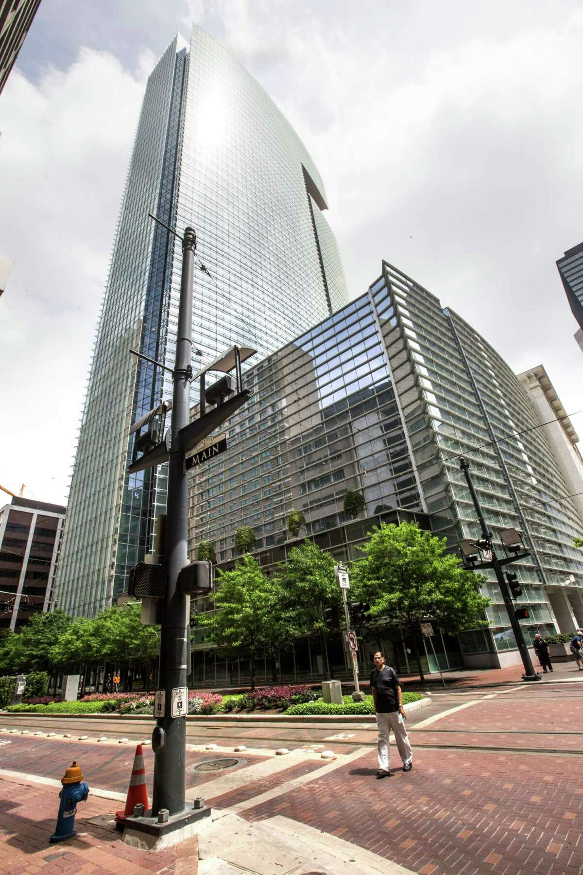 1500 Louisiana: Hines was the development manager for the 40-story office tower in downtown Houston now occupied by Chevron Corp. The building was designed by Cesar Pelli and completed in early 2002. (Jim Olive Photography)