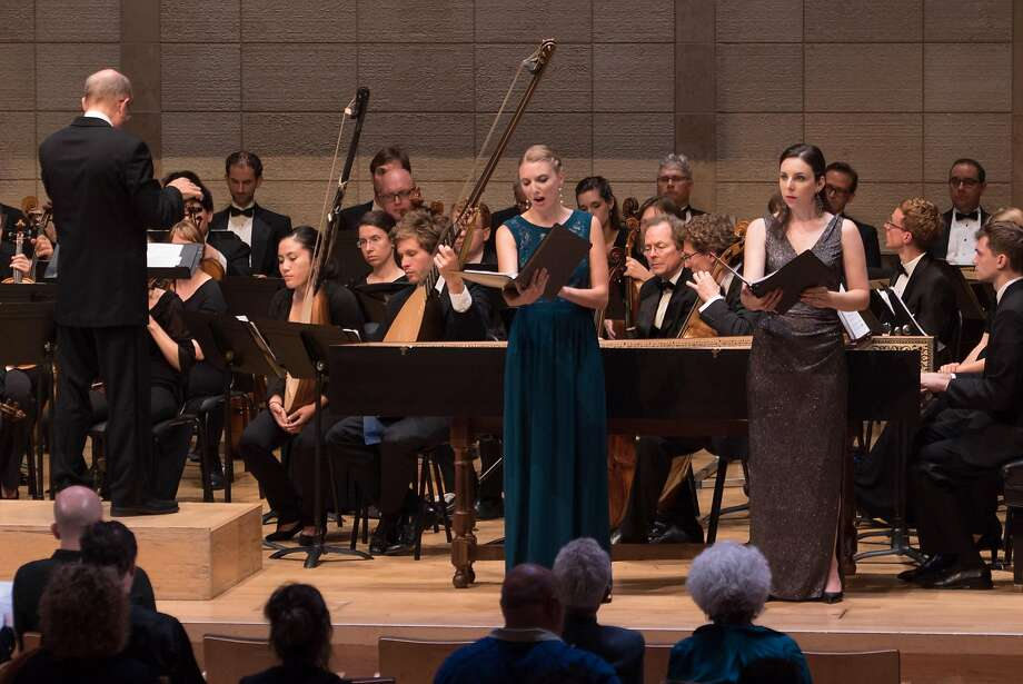 Jeffrey Thomas conducting the ABS Festival Orchestra, American Bach Choir, and Rebecca Myers Hoke (Sémélé) and Sara LeMesh (Juno). Photo: Gas Lamp Productions