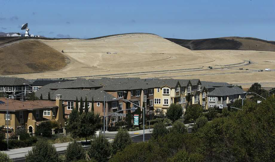 Development continues in the Tri-Valley as grading along Tassajara Road sets the stage for more homes in East Dublin near San Ramon, Calif., on Fri. August 14,  2015. Photo: Michael Macor, The Chronicle