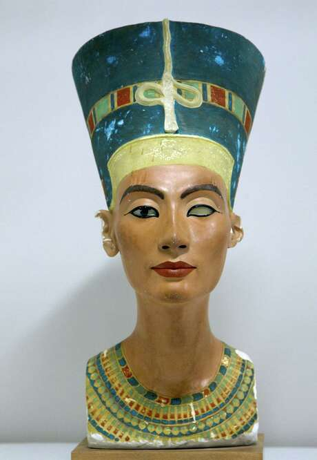 A replica of the bust of Nefertiti was displayed in the Egyptology Hall at the Houston Museum of Natural Science in May 2013.  Photo: Mayra Beltran, Staff / Â 2013 Houston Chronicle