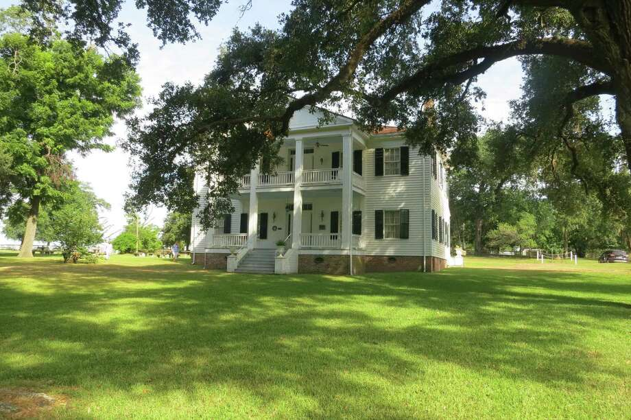 Liendo, once home to sculptor Elisabet Ney, has been lovingly restored among ancient oaks by the Detering family of Houston. Photo: Joe Holley / Houston Chronicle