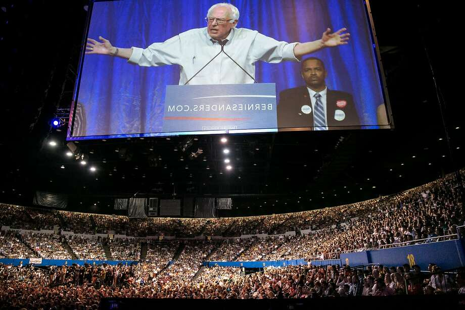 Presidential candidate Bernie Sanders speaks to a sold-out crowd during a campaign event in Los Angeles on Monday, Aug. 10, 2015. (Marcus Yam/Los Angeles Times/TNS) Photo: Marcus Yam, McClatchy-Tribune News Service