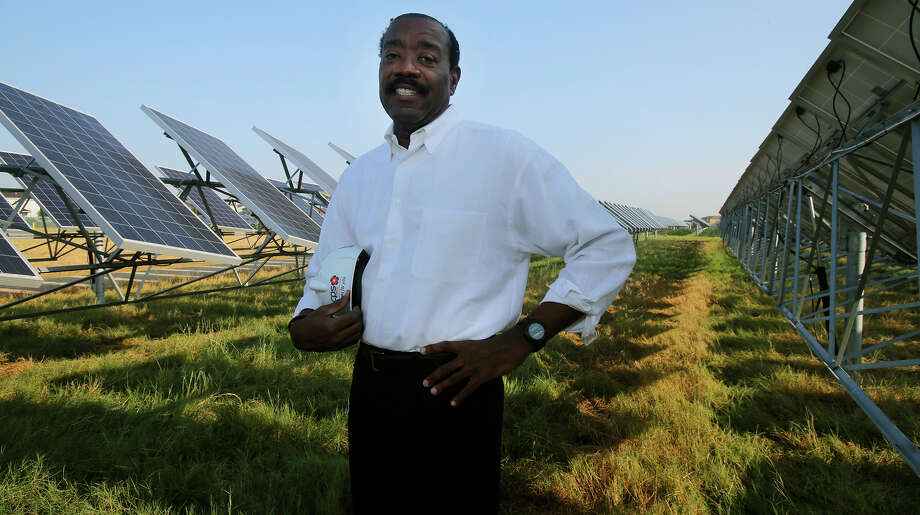 CPS Energy CEO Doyle Beneby believes decentralized power will be centered in neighborhoods by 2050. Photo: John Davenport /San Antonio Express-News / ©San Antonio Express-News
