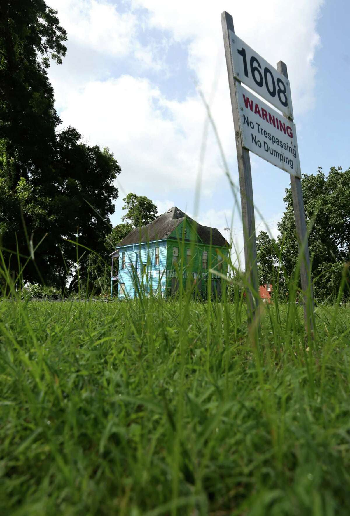 A vacant lot near Almeda Road and Alabama Street, owned by the Houston Community College System, is seen Friday, July 10, 2015, in Houston. ( Jon Shapley / Houston Chronicle )