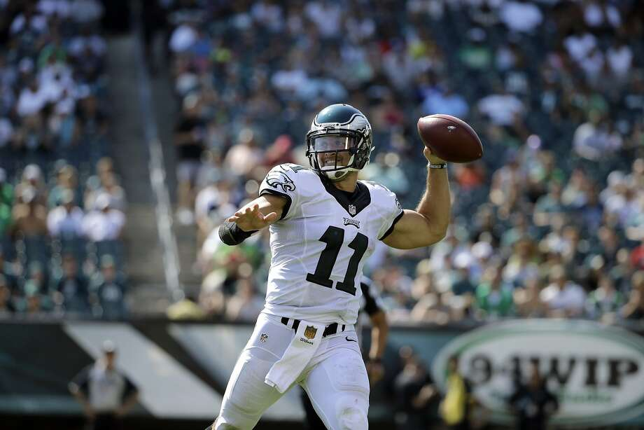 Tim Tebow scores in Eagles' debut