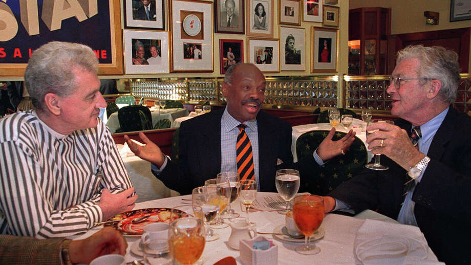 In happier times: Joe O'Donoghue (left), then-Mayor Willie Brown and Terence Hallinan break bread together in 2003. Photo: MICHAEL MACOR / Michael Macor / The Chronicle 2003 / SFC