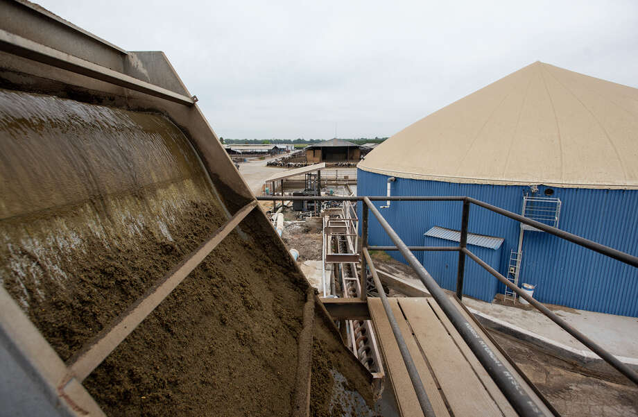 Cow manure solids are separated before going into the Bio Digester at the Fiscalini Farms in Modesto, Calif., on Thursday, August, 6, 2015. Photo: Andy Alfaro / Aalfaro@modbee.com / ONLINE_YES