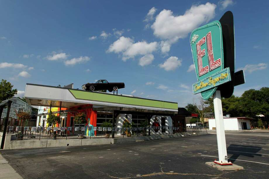 Delicious Concepts Restaurant Group says it has shut down its Tex-Mex restaurant, El Cantina Superior, in the Heights. Photo: Steve Gonzales, Staff / © 2015 Houston Chronicle