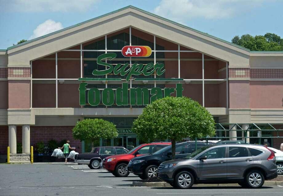 A&P Super Foodmart in the Danbury Shopping Center, 1 Padanaram Road. Photo: H John Voorhees III / Hearst Connecticut Media / The News-Times