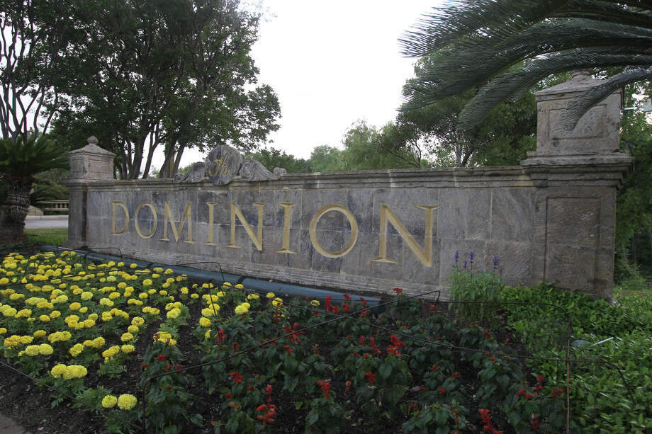The Dominion, which broke ground in the early '80s, was one of San Antonio's first gated communities. Photo: JOHN DAVENPORT /SAN ANTONIO EXPRESS-NEWS / SAN ANTONIO EXPRESS-NEWS (Photo can be sold to the public)