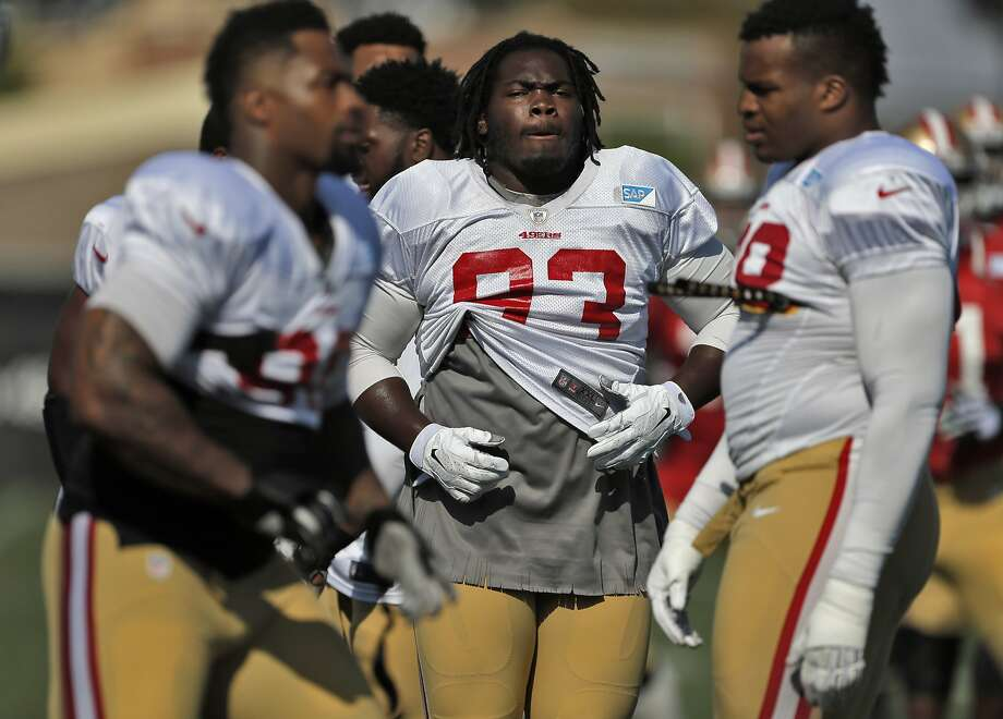 49ers nose tackle Ian Williams (93) warms up during San Francisco 49ers practice in Santa Clara , Calif.,  on Tuesday, August 18, 2015. Photo: Carlos Avila Gonzalez, The Chronicle