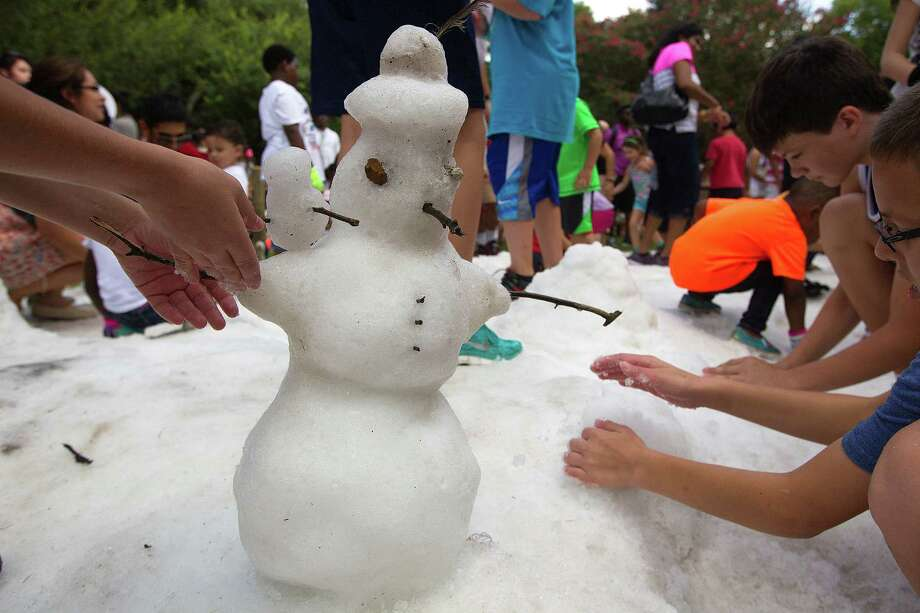 Beat the heat by taking part in Snow Day at the Houston Zoo. Photo: J. Patric Schneider, Freelance / © 2015 Houston Chronicle