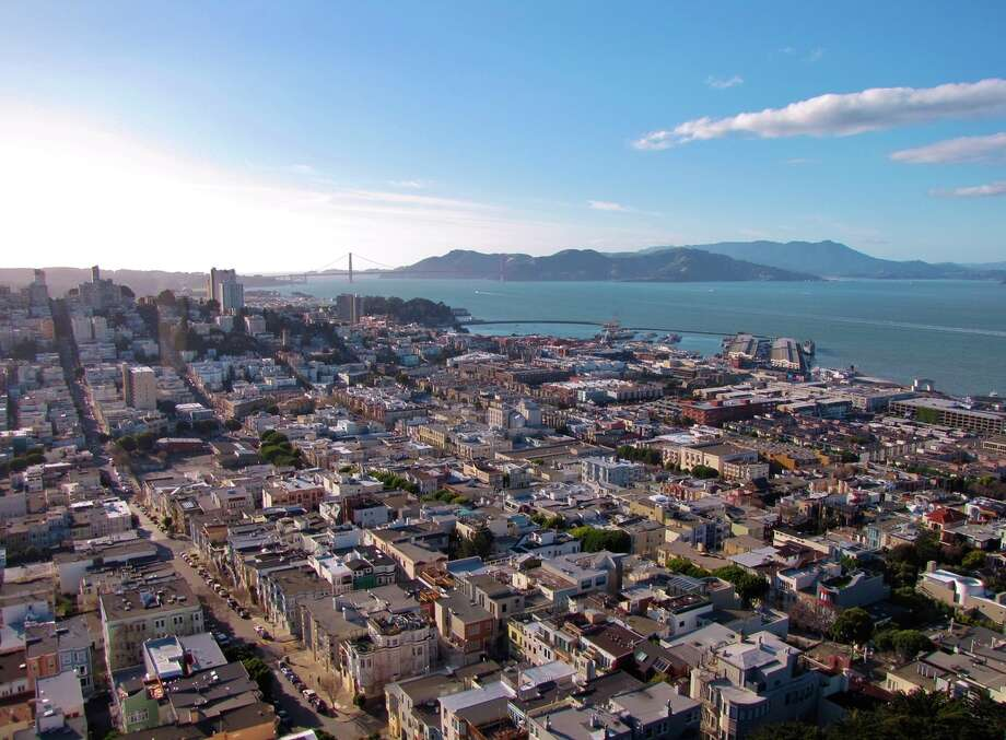 Telegraph Hill Boulevard, location of the mural-filled Art Deco landmark Coit Tower, offers amazing views of the city, San Francisco Bay and beyond.