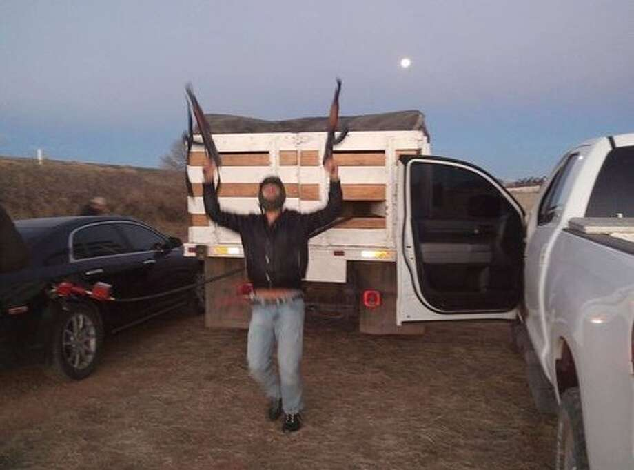 (File Photo) An alleged assassin of the Juarez cartel has been extradited from Mexico  to New Mexico in connection with a 2008 slaying of a man whose burned  body was left on a desert mesa. Photo: El Blog Del Narco