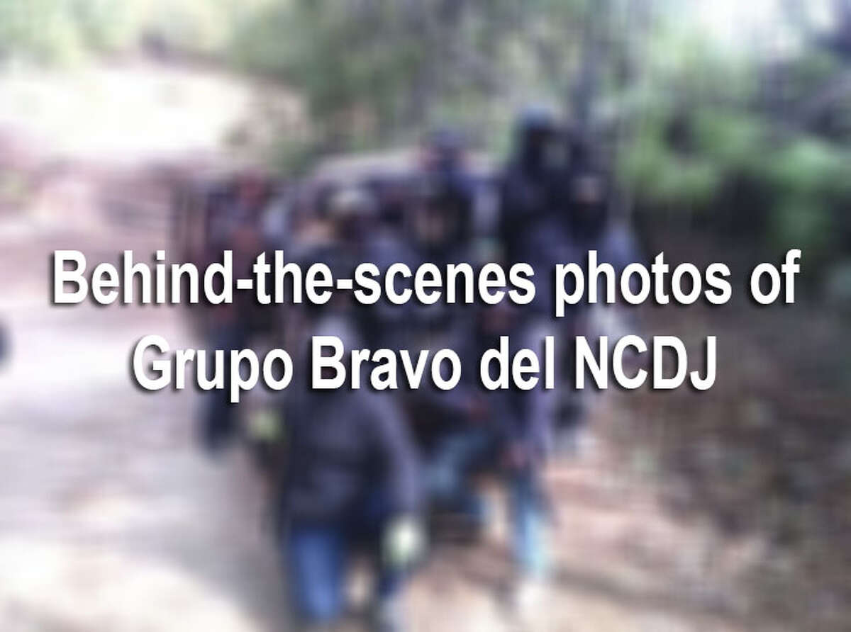 Members of El Grupo Bravo del NCDJ are gaining national attention for their violent acts and extravagant lifestyle. Here are some leaked photos, provided by Blog del Narco, that show the lifestyle of the group, which is the armed wing of the New Juarez Cartel.