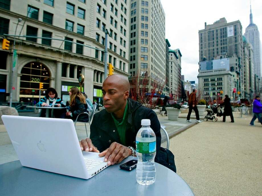 Sports/food/travel/etc. writerFlexibility:Full-time telecommute or freelance job; flexible schedule