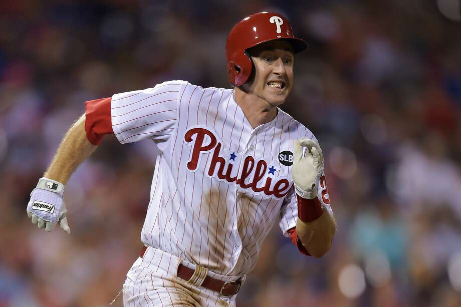 PHILADELPHIA, PA - AUGUST 18: Chase Utley #26 of the Philadelphia Phillies runs to first base on a single in the first inning against the Toronto Blue Jays at Citizens Bank Park on August 18, 2015 in Philadelphia, Pennsylvania. The Blue Jays won 8-5. (Photo by Drew Hallowell/Getty Images) Photo: Drew Hallowell, Getty Images