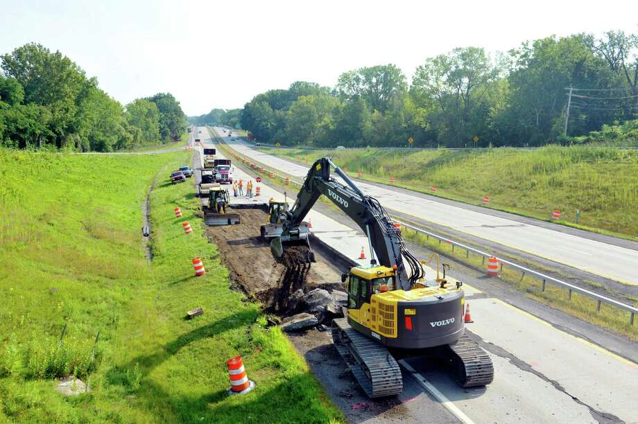 Construction work begins on Route 85, seen here from Krumkill Road, on Monday, Aug. 17, 2015, in Albany, N.Y.  The 2.2-mile project will replace the deteriorated concrete pavement.  (Paul Buckowski / Times Union) Photo: PAUL BUCKOWSKI / 00033025A