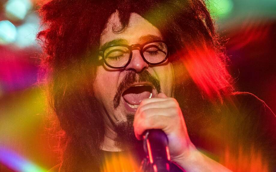 Adam Duritz and Counting Crows still come out with new songs. Photo: Noam Galai, Getty Images