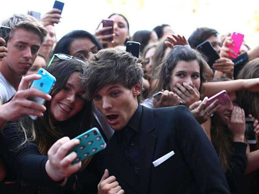Selfie Taker: One Direction instagram.com/onedirection