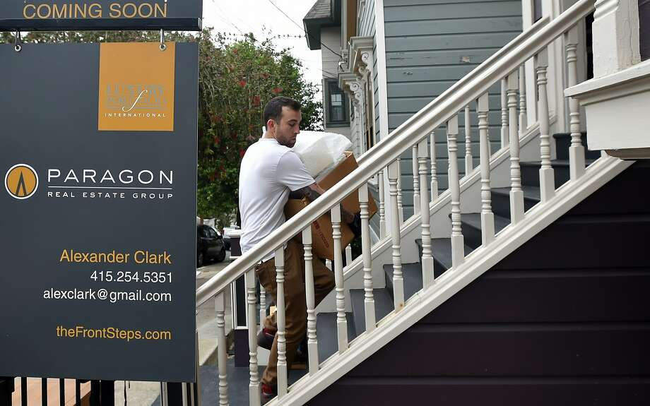 Home stagers help to prep a property for sale in San Francisco on Thursday, August 20, 2015. (JOSH EDELSON / SPECIAL TO THE CHRONICLE) Photo: Josh Edelson, JOSH EDELSON / SAN FRANCISCO CHR