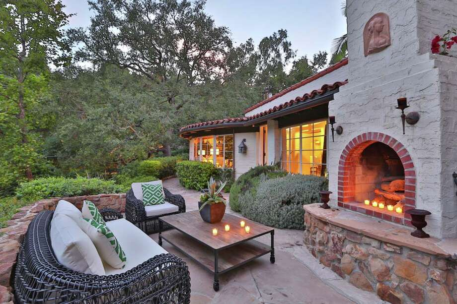 Katharine Hepburn's former rented home at 2320 Bowmont Dr, Beverly Hills, CASee more at zillow.com Photo: Zillow