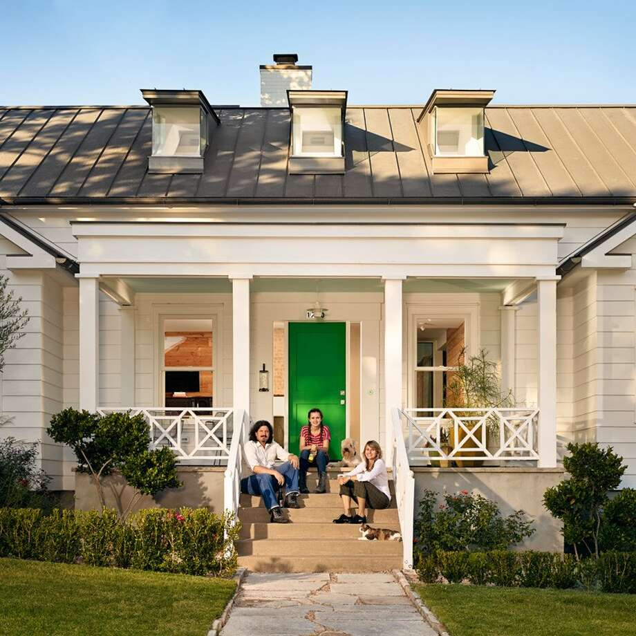 Texas Greek Revival Style Home Welcomes A Contemporary
