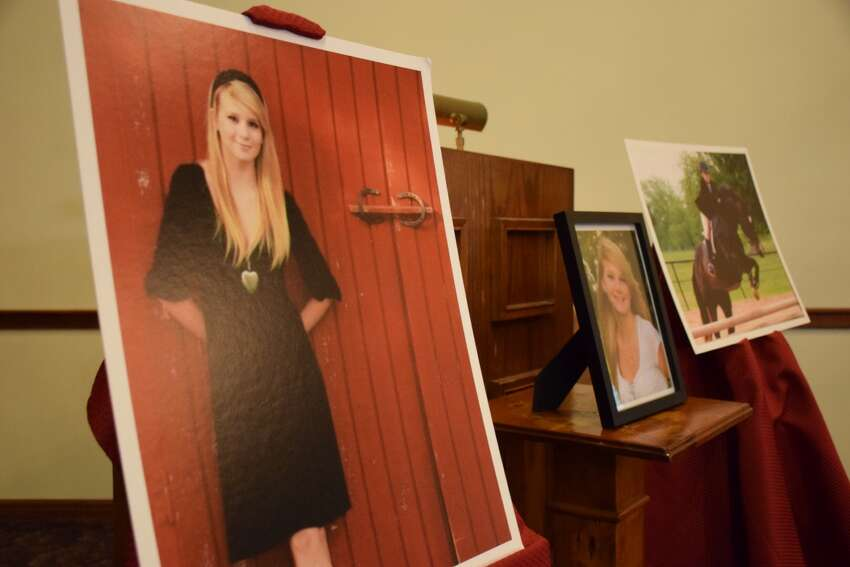 1.Funeral services for Mott were held at the Mission Park Funeral Chapels North facility, 3401 Cherry Ridge St., on Aug. 15, 2015, which would have been Mott's 26th birthday.