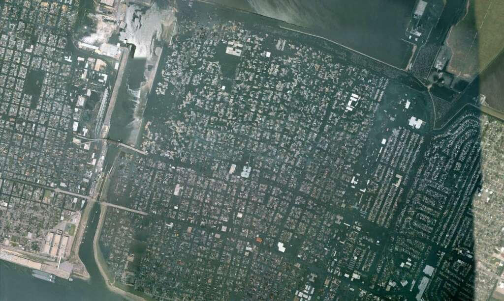 Hurricane Katrina New Orleans satellite images before and after