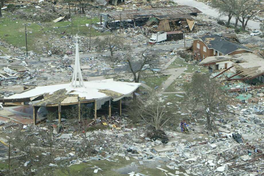 The Gulf Coast recovers from Hurricane Katrina. Photo: Kevin Fujii, Houston Chronicle / Houston Chronicle