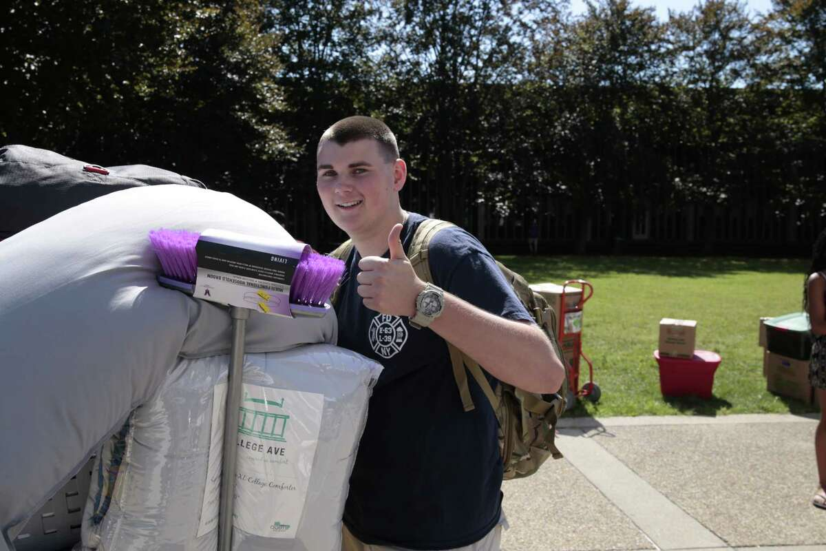Were you Seen during Move-In Day at UAlbany on Friday, Aug. 21, 2015?